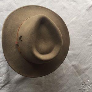 dea763a911cc0 Broner Lite Felt Outback Hat w Harley Pin⭐️ XL